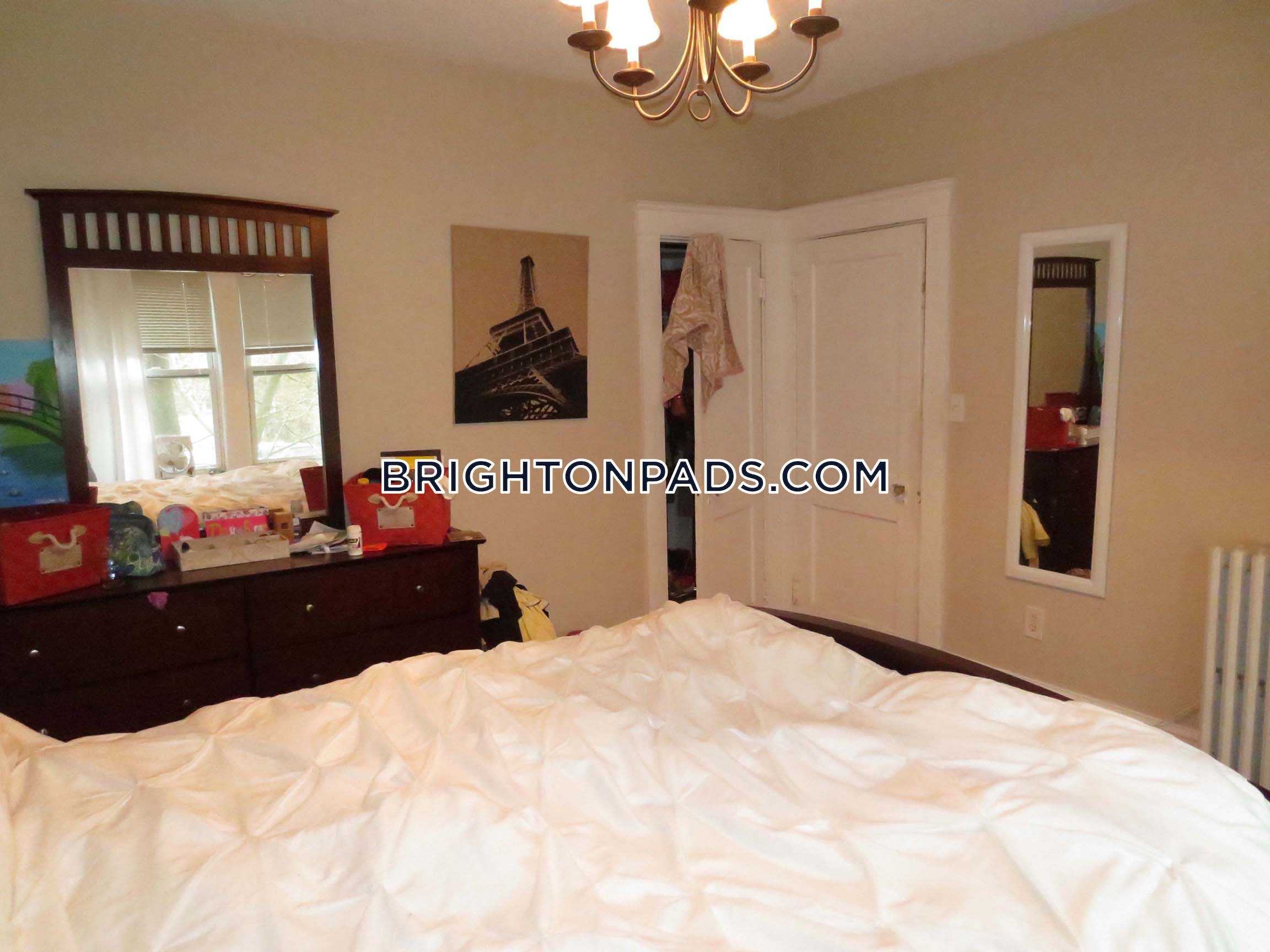 3 Beds 1 Bath - Boston - Brighton - Cleveland Circle $2,750